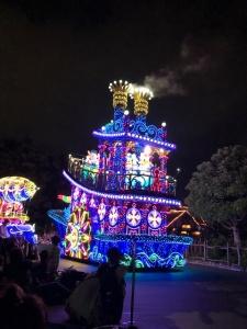 【画像】夜のパレード