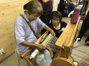 【画像】さをり織り体験