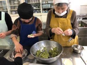 【画像】 餃子作りです。とても美味しかったですよ!